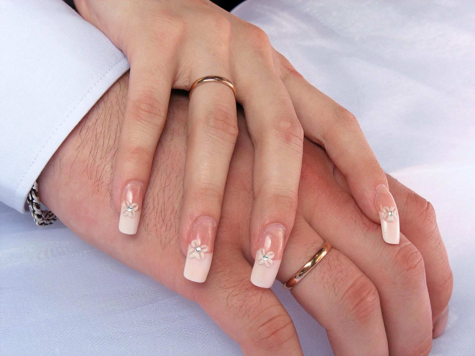 ставят картинки обручального кольца на пальце странице